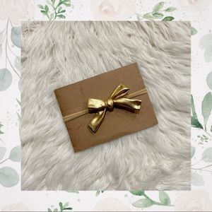 👑Metallic Gold Clip In or Bow on Nylon!